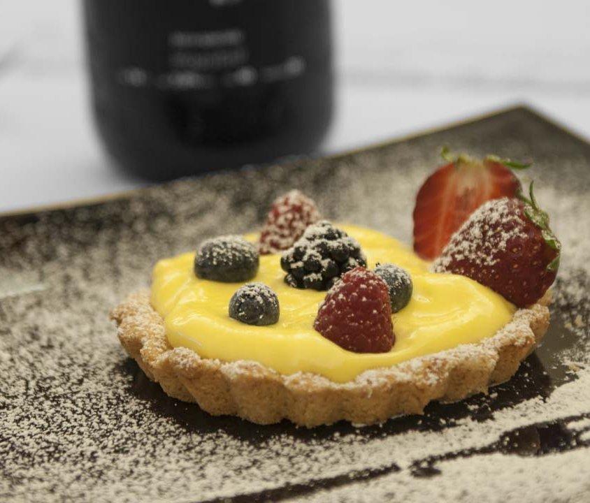 Crostatina con Crema e Frutti di Bosco